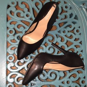 Abound size 8.5 worn and heel tap missing